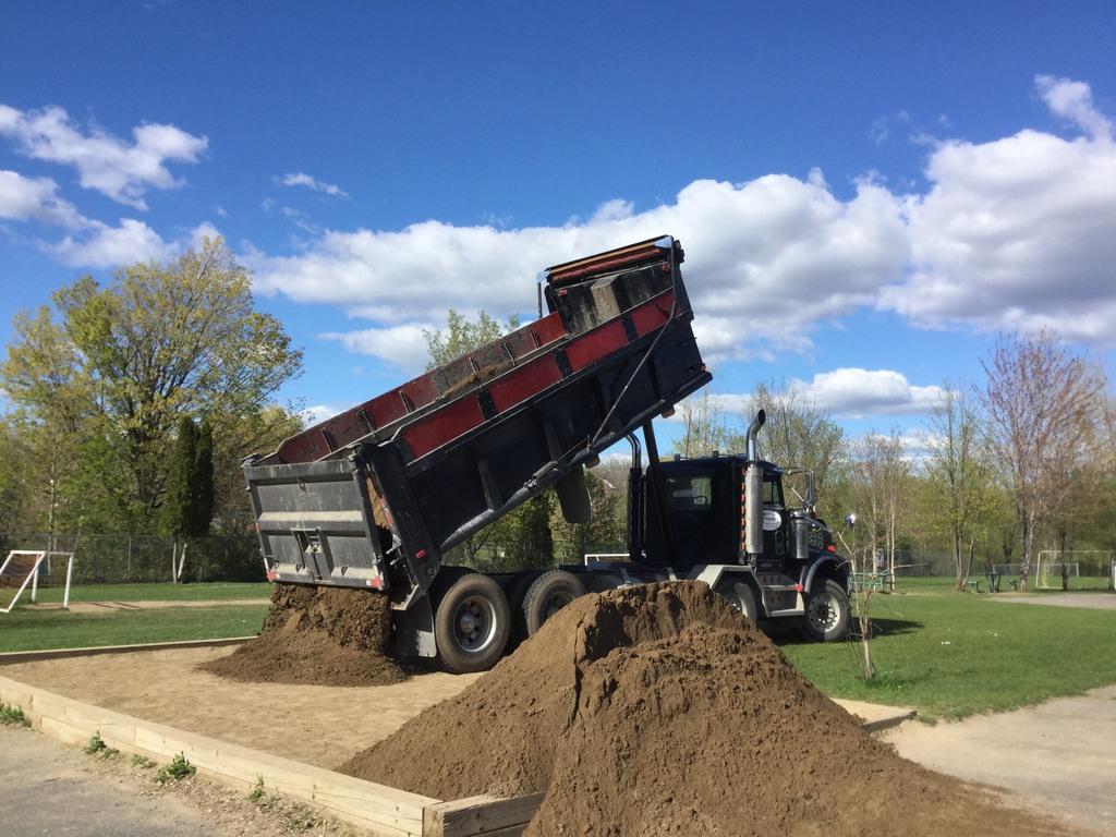 Un don de sable pour nos carrés de sable